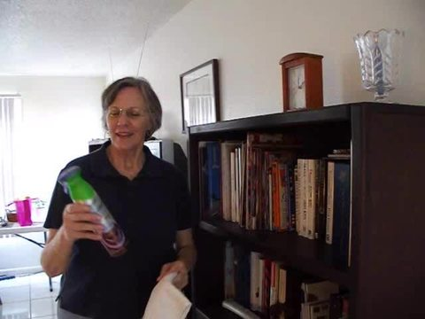 This video is about Swiffer Dust and Shine funriture spray...lavender and vanilla and comfort scent.