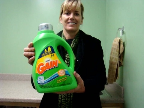 I love using this Gain detergent.